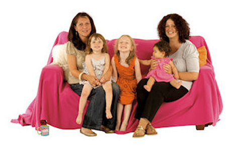 Small_G(6)_WOMEN_AND_GIRLS_ON_SOFA-web